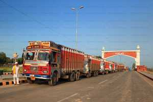 Government to ban old trucks